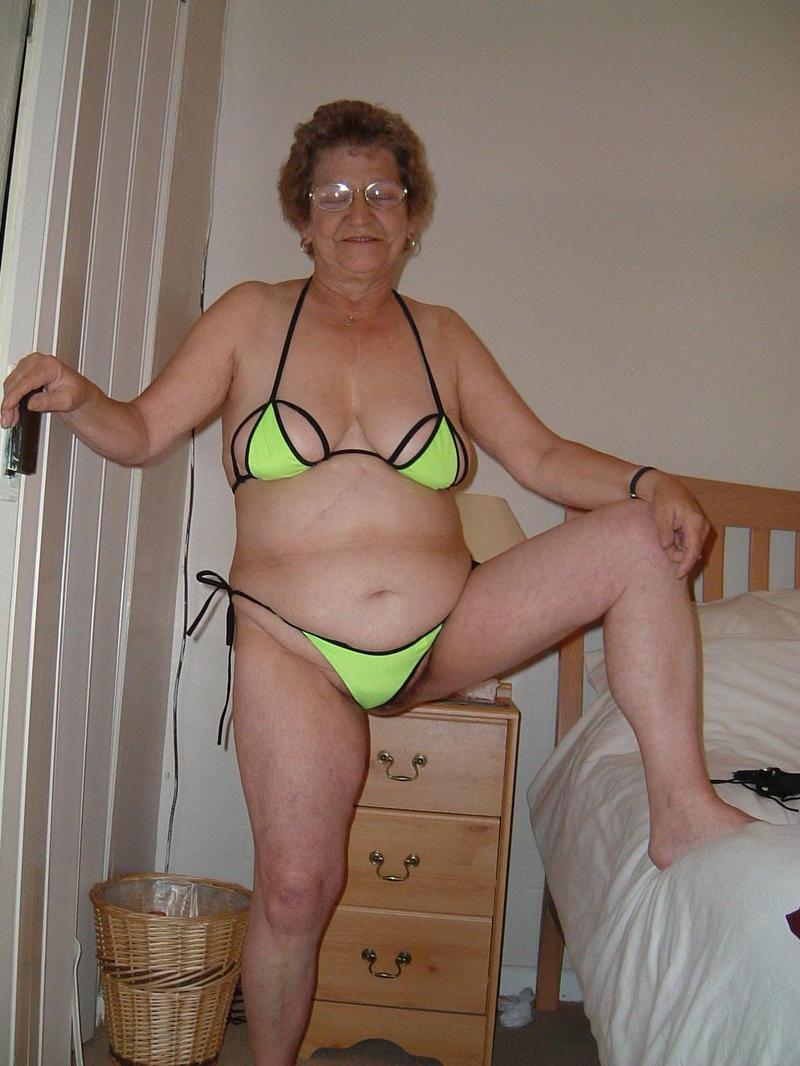 une baise foutrement chaude fille sexy en bikini