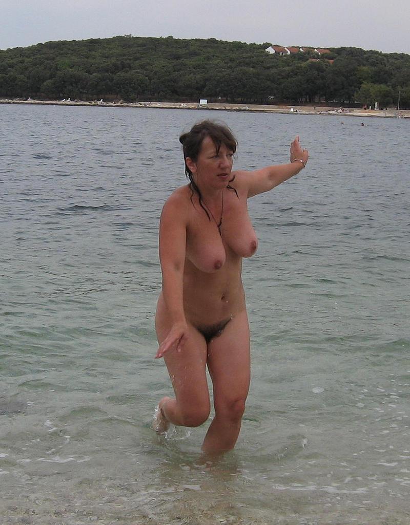 femme nue sur plage salope de l aude