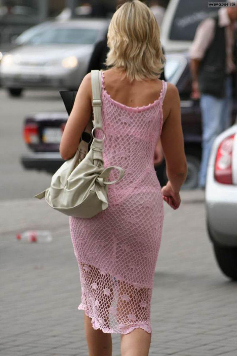 женщины в возрасте в просвечивающих мадонна часто