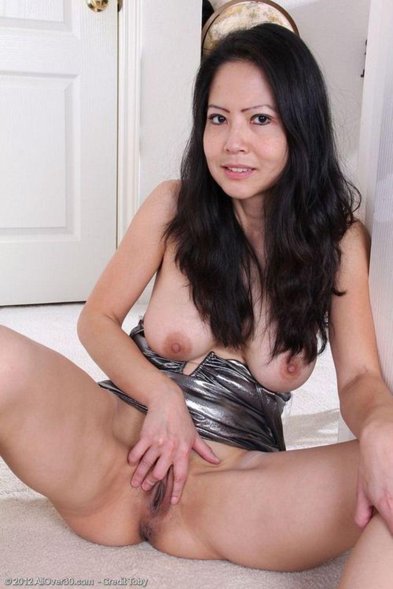 Фото мастурбирующих азиаток 11 фотография