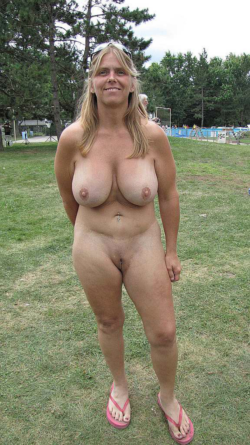 gros sein mature escort velizy