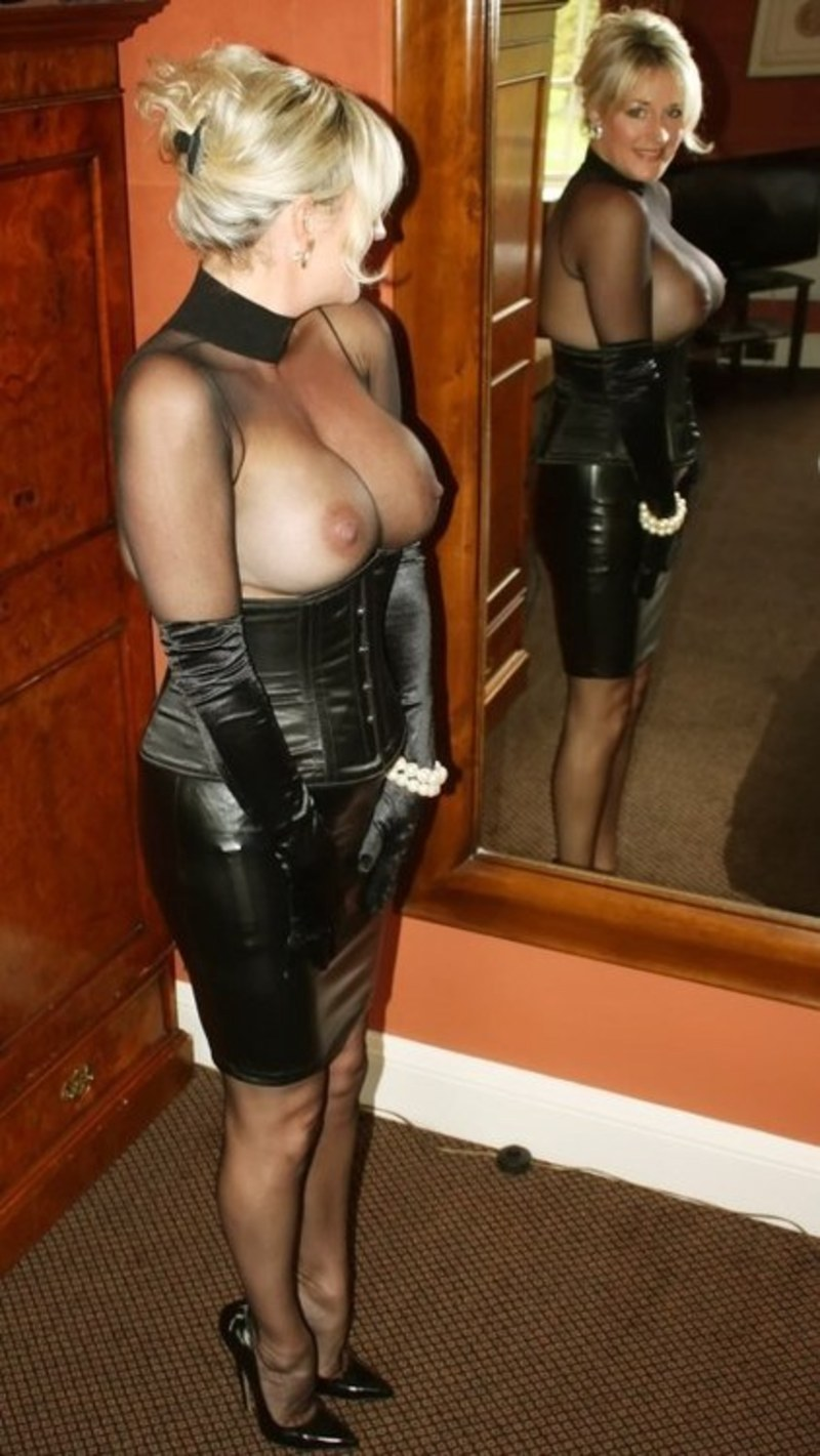 Busty mature mom pussy