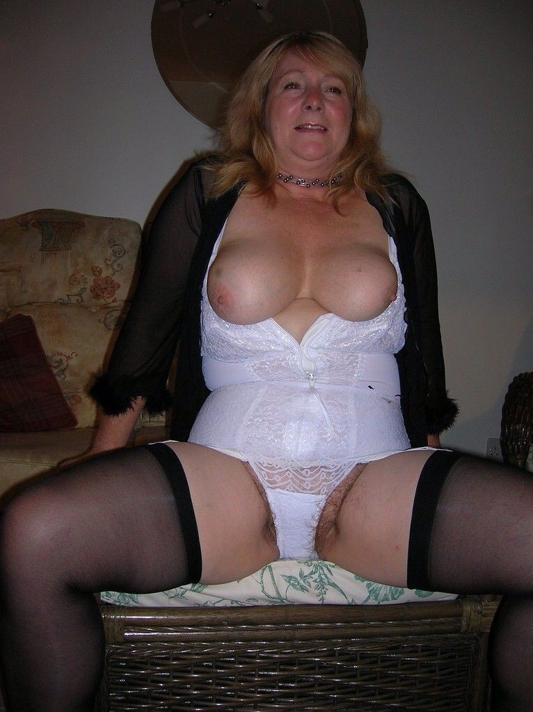 Hairy mature women galleries