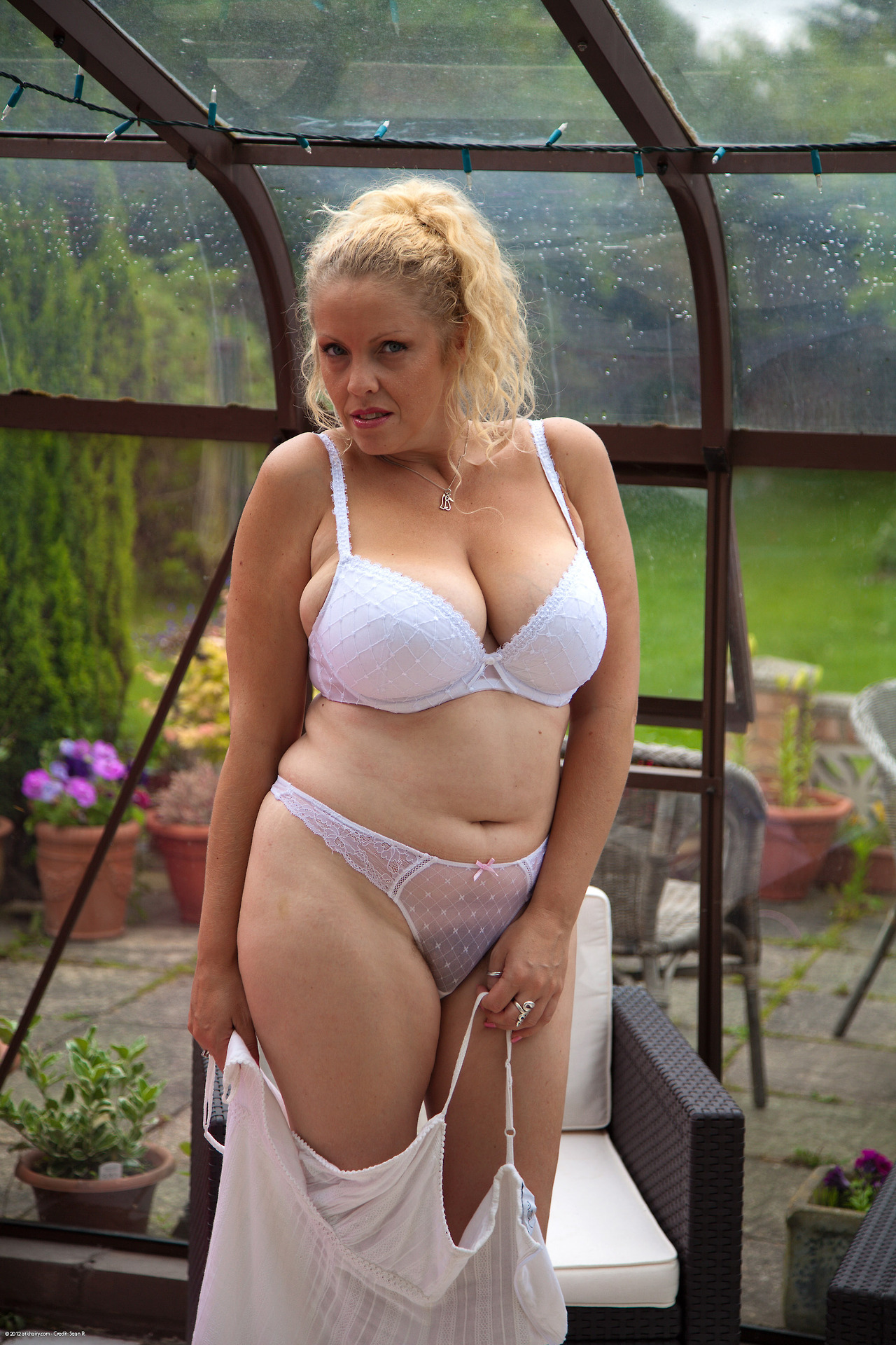 femme plantureuse nue fuck salope